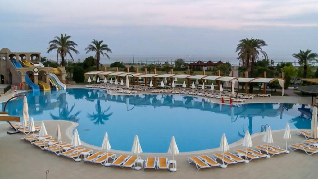 Club Felica Village Hotel Çekimi